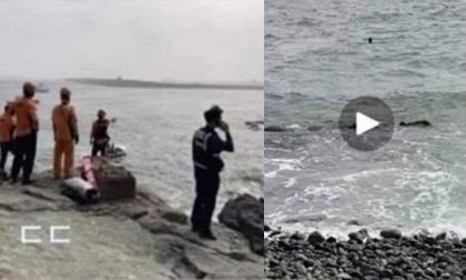 Hàn Quốc: Nghĩ bạn giả vờ đuối nước, nhóm học sinh thản nhiên đứng quay clip