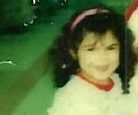Con gái bị người tình của mẹ lạm dụng, cưỡng hiếp trong 11 năm: 'Tôi có con khi mới 14 tuổi nhưng bị mẹ và dượng cướp đi ngay trên tay'