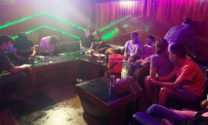 21 nam nữ phê ma túy trong quán karaoke ở Đà Nẵng
