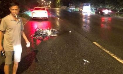 Chạy xe máy ngược chiều rồi tông vào ô tô trên đại lộ Thăng Long, cô gái trẻ tử vong tại chỗ