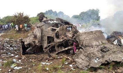 Rơi máy bay, 17 người thiệt mạng