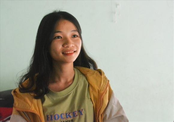 Nữ sinh mồ côi cha đạt 10 điểm môn Lịch sử ở Quảng Nam - 1