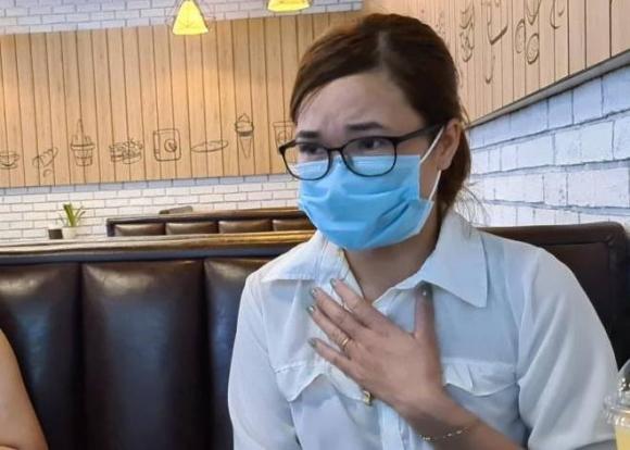 Cô gái bị chủ quán nướng Hiền Thiện bắt quỳ gối xin lỗi chưa dám về nhà vì sợ bị trả thù