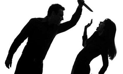 Bắc Giang: Chồng dùng dao truy sát vợ rồi uống thuốc sâu tự tử