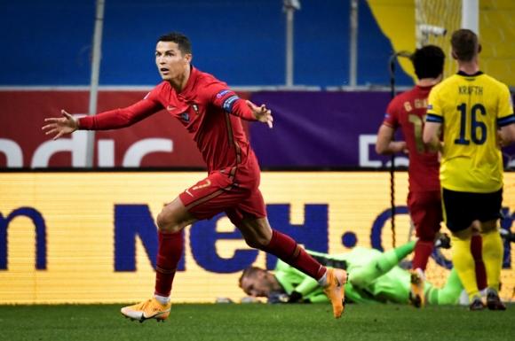 Kinh ngạc: Ronaldo bùng nổ khủng khiếp sau tuổi 30