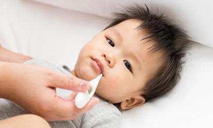 Trẻ bị sốt: 4 trường hợp cha mẹ cần đưa bé đến bệnh viện ngay lập tức