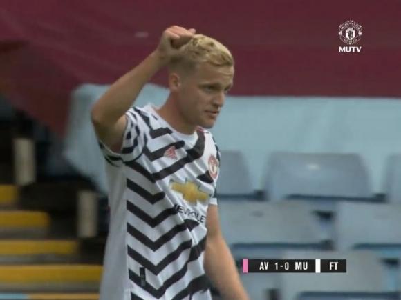 Van de Beek đá chính, MU vẫn thua 0-1 trước Aston Villa