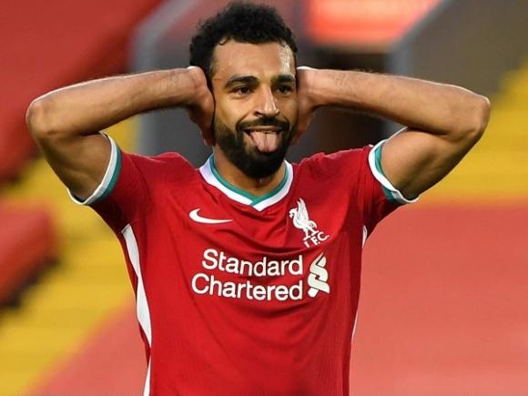 Salah lập hattrick, Liverpool thắng nghẹt thở trong ngày mở màn Ngoại hạng Anh - 1