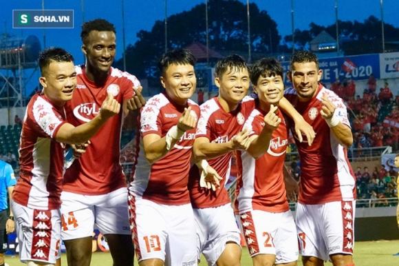 HLV Park Hang-seo đứng trước nguy cơ mất cả Quang Hải lẫn Công Phượng tại AFF Cup - 1