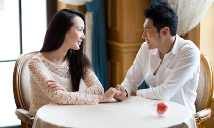 Muốn biết đàn ông bên cạnh mình có tử tế, chung thủy hay không có 5 dấu hiệu phụ nữ đừng ngó lơ