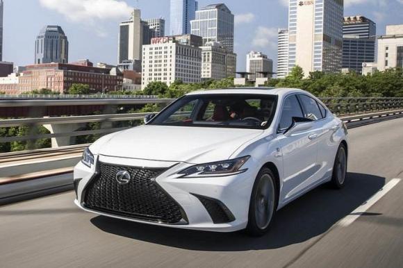 10 mẫu ô tô an toàn nhất thế giới năm 2020, Camry và Mazda tiến bộ bất ngờ - 8