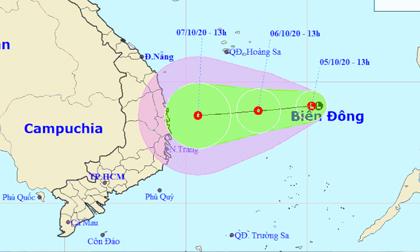 Vùng áp thấp hướng vào Trung Bộ sẽ gây mưa rất to 500 - 700 mm/đợt