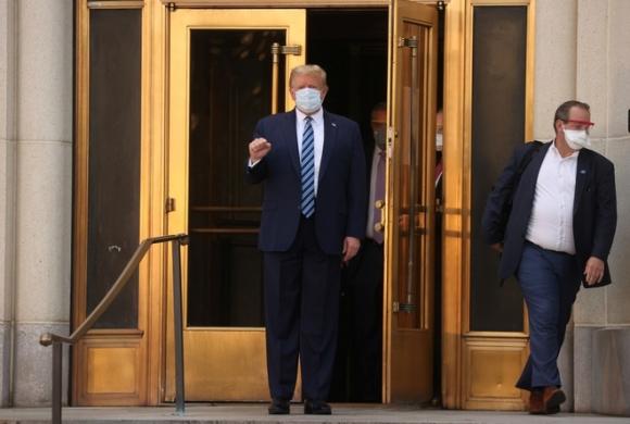 Ông Trump rời bệnh viện, tiếp tục chữa trị ở Nhà Trắng