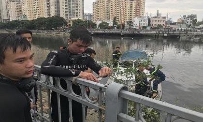 Tìm thấy thi thể người nhảy cầu Nguyễn Văn Cừ