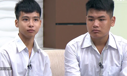 Nam sinh 10 năm cõng bạn đến trường từ chối đặc cách, Hiệu trưởng ĐH Y Hà Nội bày tỏ sự khâm phục