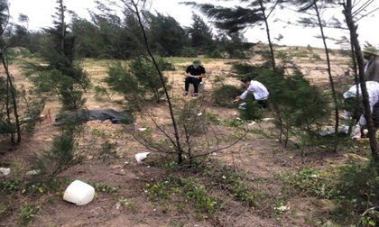Phát hiện thi thể nam thanh niên khoảng 20 tuổi dạt vào bờ biển Hà Tĩnh