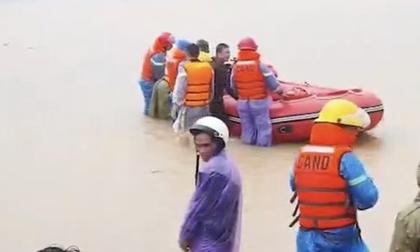 Huế: Người phụ nữ bị nước cuốn trôi, tử vong thương tâm trên đường đi làm về