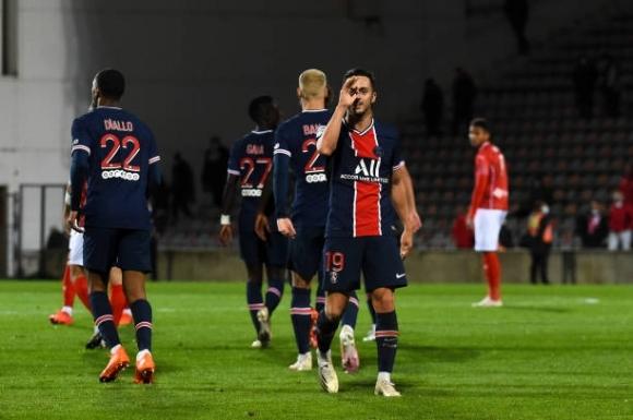 Mbappe rực sáng với cú đúp, PSG lên đầu bảng Ligue 1 - 1