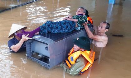Lũ lịch sử ở Quảng Bình: Lật đò khi chạy lũ, 2 người tử vong
