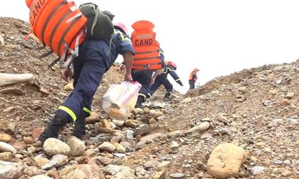 Sử dụng máy bay không người lái tìm kiếm 15 người đang mất tích ở Rào Trăng 3