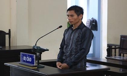 """Lĩnh 8 năm tù vì đâm đối thủ để """"trả thù"""" cho anh trai"""