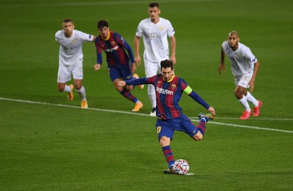 Messi lập liên tiếp những kỷ lục sau chiến thắng tưng bừng của Barca