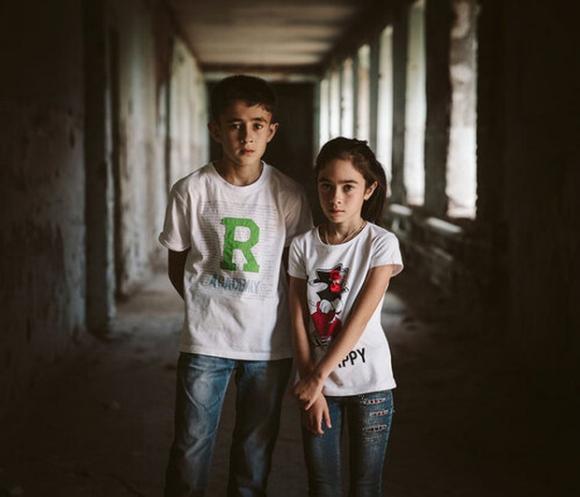 Những bức hình đầy ám ảnh và ký ức kinh hoàng sau 16 năm vụ thảm sát con tin gây chấn động thế giới tại Trường học Số 1 - 4