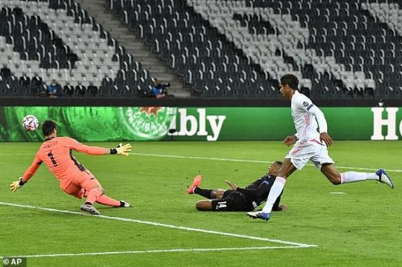 Chết hụt dưới tay ngôi sao từng phá lưới Bùi Tiến Dũng, Real Madrid có nguy cơ bị loại sớm - Ảnh 1.