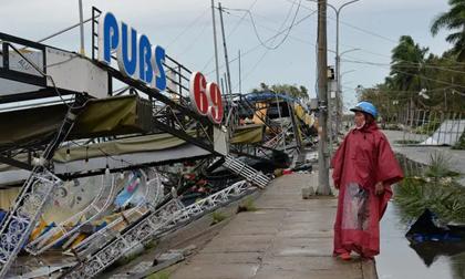 Sau bão số 9, Quảng Ngãi lại 'gồng mình' chạy lũ