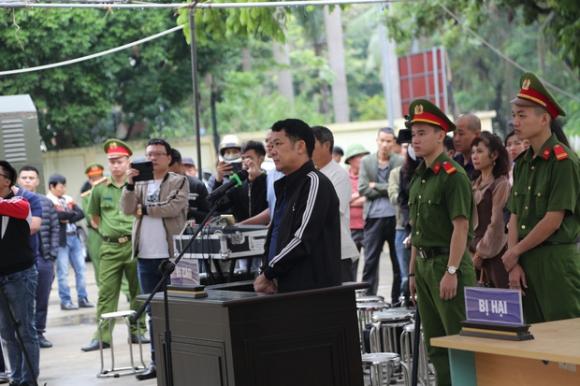 Tuyên án 18 tháng tù đối với giám đốc rút súng dọa 'bắn vỡ sọ' người đi đường ở Bắc Ninh