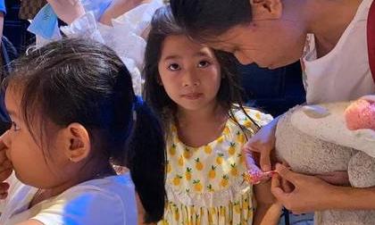 Con gái Mai Phương bật khóc khi nhận ra giọng mẹ lúc xem kịch khiến ai cũng rơi nước mắt