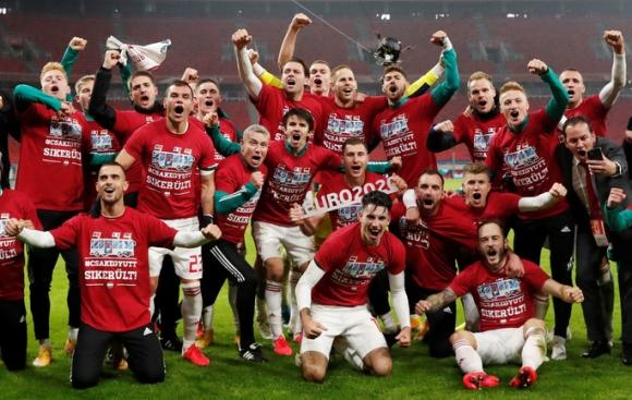 Hungary ngược dòng nghẹt thở loại Iceland, đoạt vé vàng đến Euro 2021 - Ảnh 4.