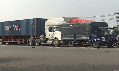 Xe đầu kéo gây tai nạn liên hoàn ở TP.HCM
