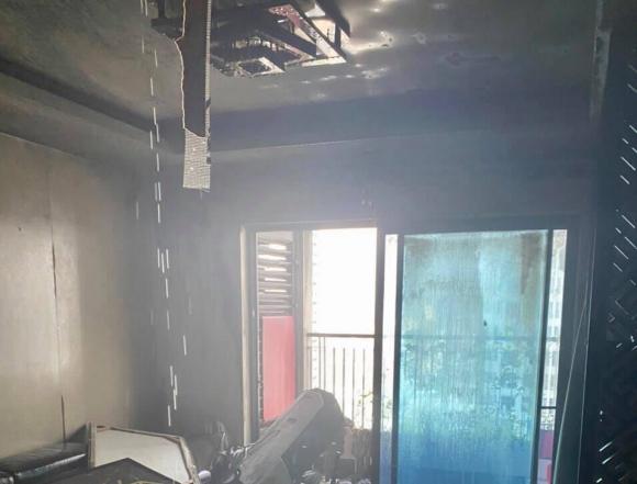 Cháy chung cư ở Hà Nội, hàng trăm người tháo chạy - 2
