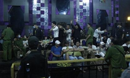 Bình Dương: 74 khách 'bay lắc' trong quán bar dương tính với ma túy, ném tang vật xuống sàn khi thấy công an