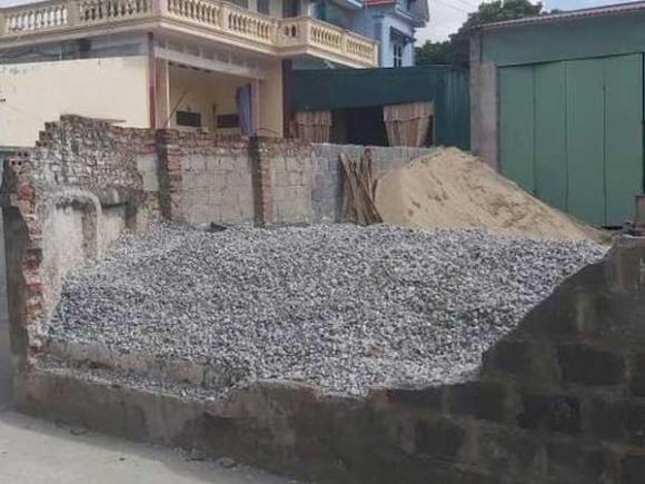 Tường nhà dân đổ sập, bé gái 11 tuổi tử vong