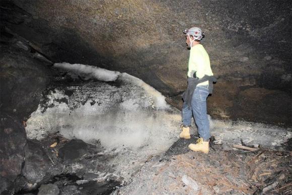 Bí ẩn tộc người 8.000 năm ở tử địa, sinh tồn bằng… ống dung nham - Ảnh 1.