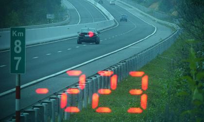 Vội đi ăn cưới, tài xế BMW phóng như bay với tốc độ 223km/giờ trên cao tốc Bắc Giang - Lạng Sơn