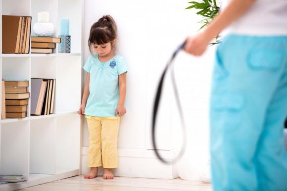 4 tác hại khi dạy con bằng roi vọt, nhất là điều thứ 2 cực kỳ nguy hiểm