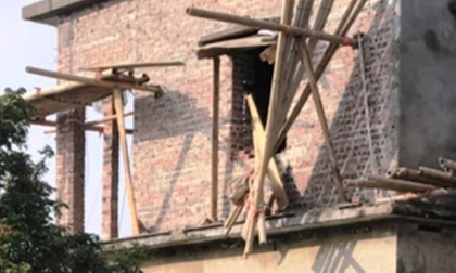 Sập giàn giáo, 3 người tử vong khi đang xây nhà