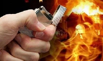 Đang nhậu thì bị vợ gọi, người đàn ông đổ xăng đốt nhà