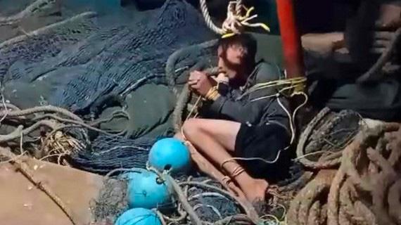 Thuyền trưởng bị tố chém 4 ngư phủ, ném xuống biển: Thêm 3 người tố thường xuyên bị đánh