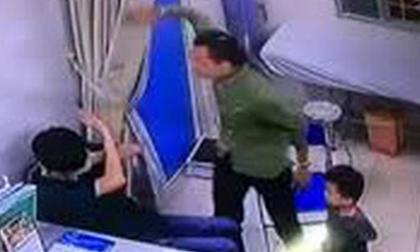 Khâu xong vết thương, y sĩ bị bệnh nhân cùng người nhà đánh