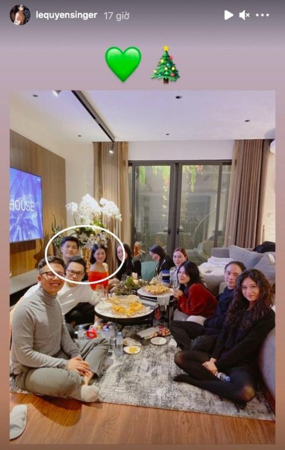 Lệ Quyên công khai đăng ảnh ngồi cạnh tình trẻ Lâm Bảo Châu đêm Giáng sinh