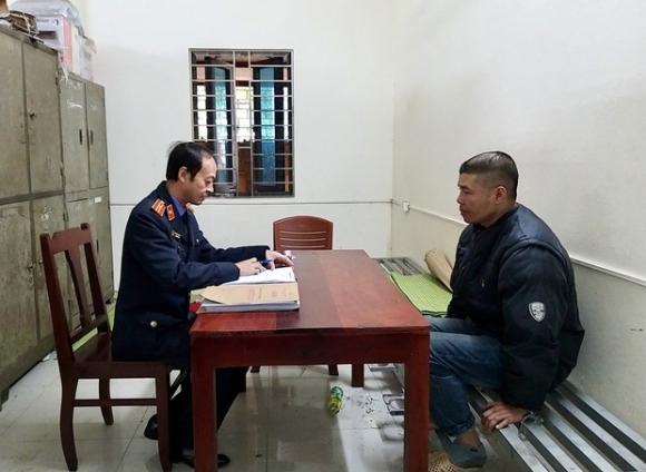 Bắc Ninh: Cha làm sẵn roi đánh đập con đẻ 5 tuổi đến ngất lịm, hành hạ bé suốt thời gian dài sau mỗi lần sử dụng ma tuý - 1