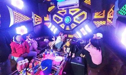 Quảng Nam: Một tối phát hiện 2 quán karaoke cho khách dùng ma túy
