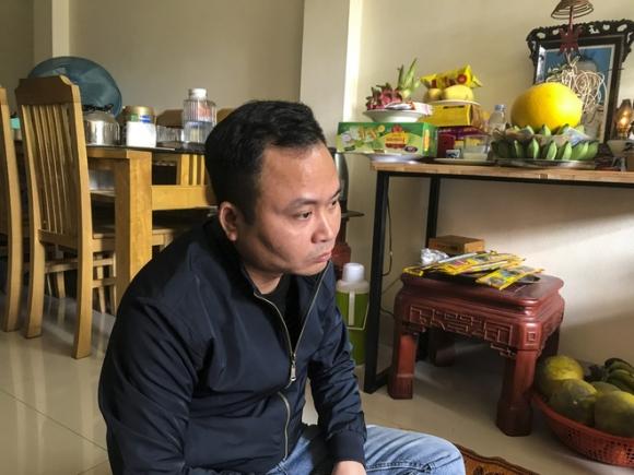 Vụ bé trai 9 tháng tuổi tử vong khi gửi nhà 'bảo mẫu': Người mẹ nói phát hiện trán con có vết bầm tím - 1
