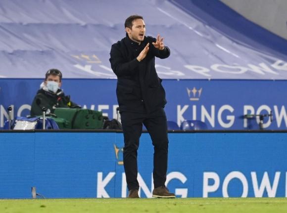 Hạ gục Chelsea, Leicester soán ngôi đầu Ngoại hạng Anh - Ảnh 1.