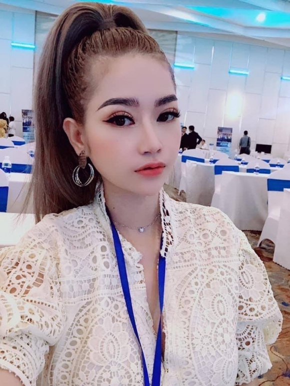 CEO Huỳnh Hồng Liên và hành trình trở thành giáo viên thẩm mỹ
