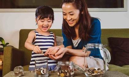 4 bài học về tiền cha mẹ cần dạy con trước năm 6 tuổi